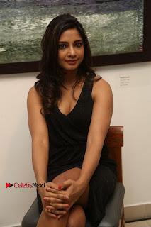 Telugu Actress Kamna Singh Stills in Black Dress at Bharat Thakur Art Exhibition Launch  0128.jpg