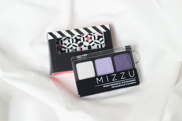 Mizzu Cosmetics Eyeshadow Velvet Plum & Fake Eyelashes review by Jessica Alicia