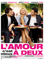affiche de L'Amour, c'est mieux à deux avec Virginie Efira et Clovis Cornillac