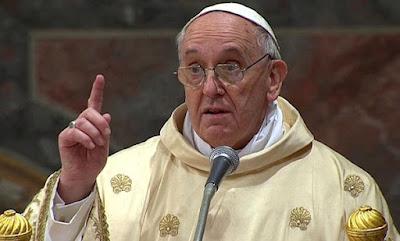 Pemimpin Vatikan: Jurnalisme Berdasarkan Gosip adalah Terorisme