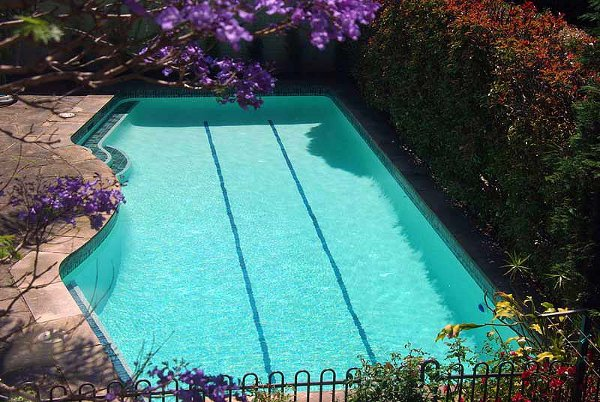 Colors of paint for swimming pools 5