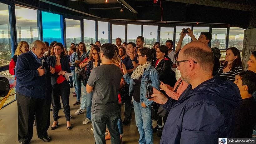 Prefeito de Curitiba recebendo blogueiros na Torre Panorâmica - Encontro da RBBV