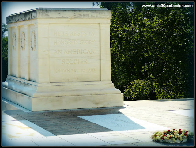 "Tumba del Soldado Desconocido  ""Tomb of the Unknown Soldier"""