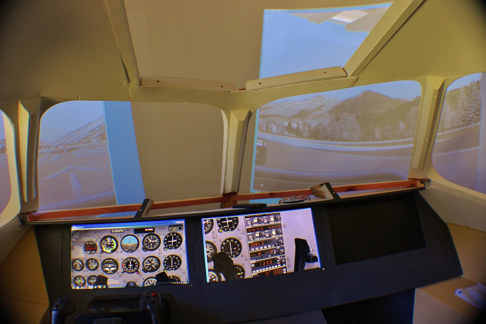 BAE 146 - Home Built Flight Sim: November 2015