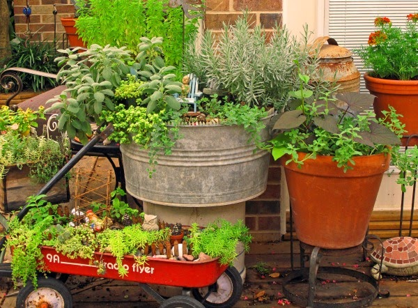 Java talk garden tips decorating your outdoor space container gardens cozy little house - Small space container gardens design ...
