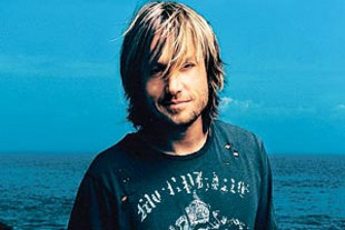Keith Urban HairStyle (Men HairStyles)
