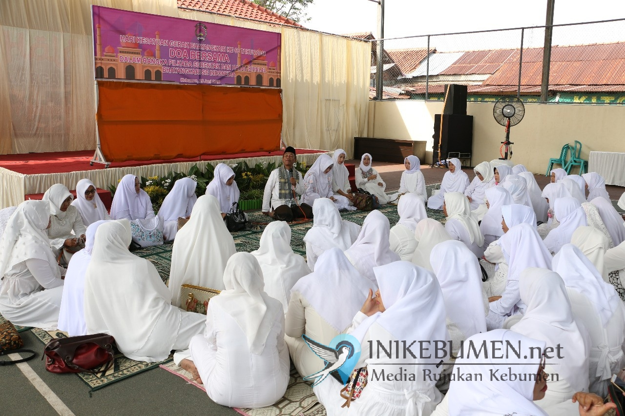 Jelang Pilgub Jateng, Bhayangkari dan Polwan Polres Kebumen Gelar Doa Bersama