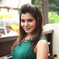 Gorgious Samantha photos in tight jeans green top
