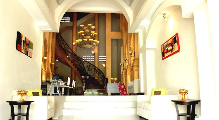 Next Tuban Hotel 11