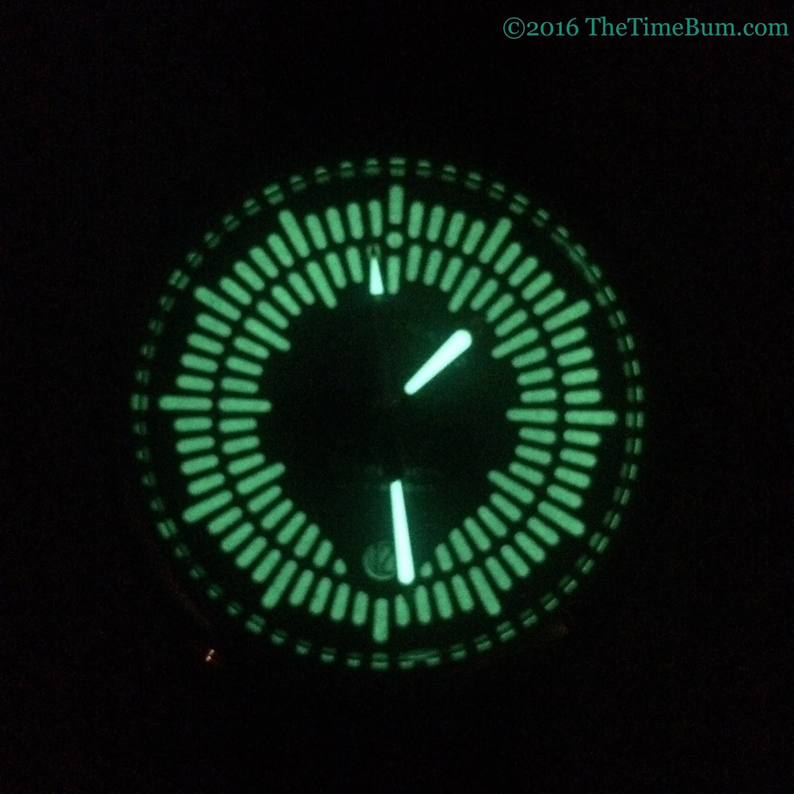 Tangramatic Hyperion automatic date lume