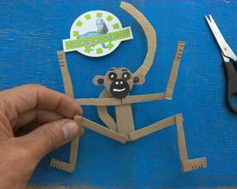http://www.tumaquetaescolar.com/2016/07/tutorial-mono-de-carton.html