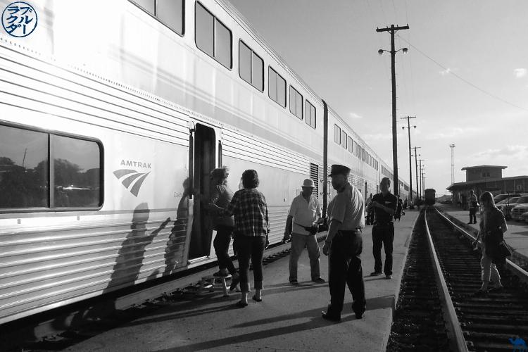 Le Chameau Bleu - Blog Voyage Los Angeles -  Un des arrêt de Southwest Chief train