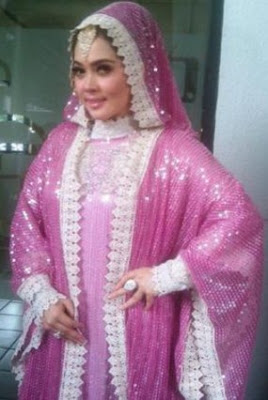 11 Foto Syahrini Saat Memakai Busana Muslim Terlihat Anggun