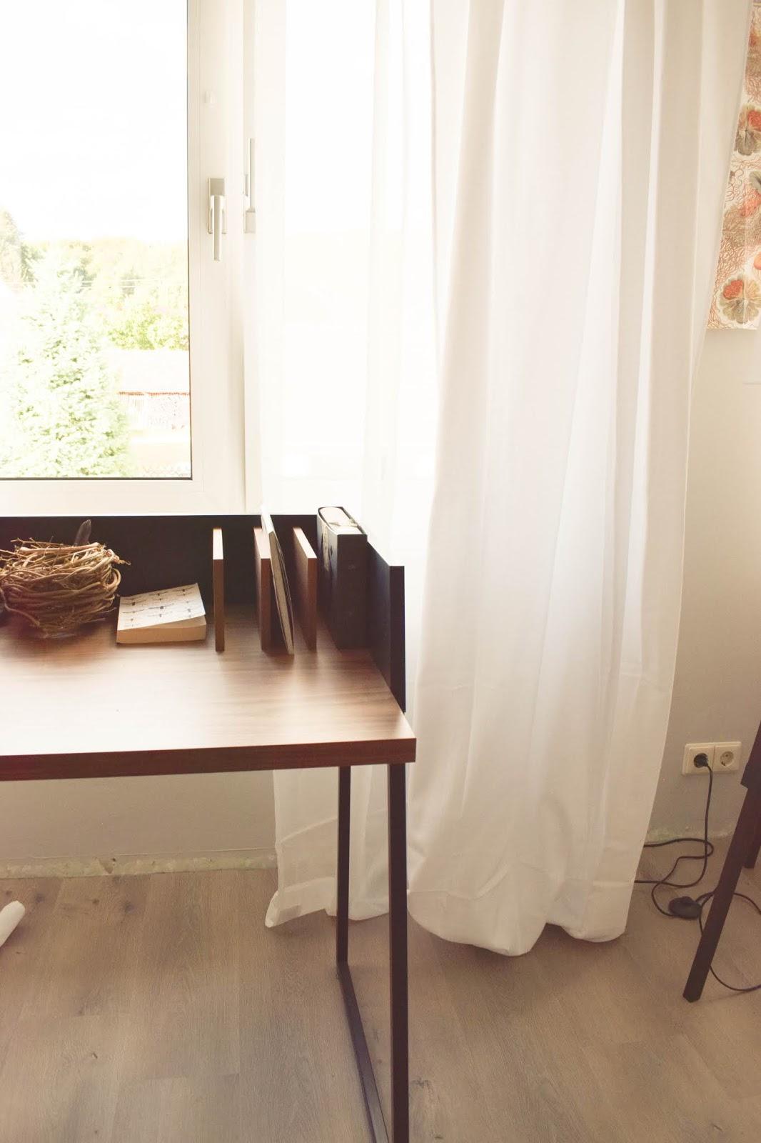 Tolle drucke f r eure w nde und mein schlafzimmer eclectic hamilton - Vorhang fur schrage wande ...