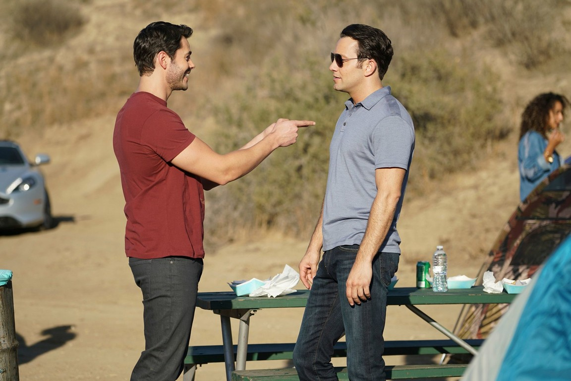 Young and Hungry - Season 3 Episode 2: Young & Coachella
