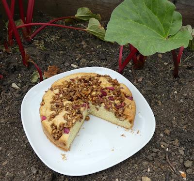 Rhabarber-Walnusskaramell-Kuchen