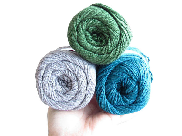 Knit Picks Dishie Review & Free Crochet Dog Mat Pattern