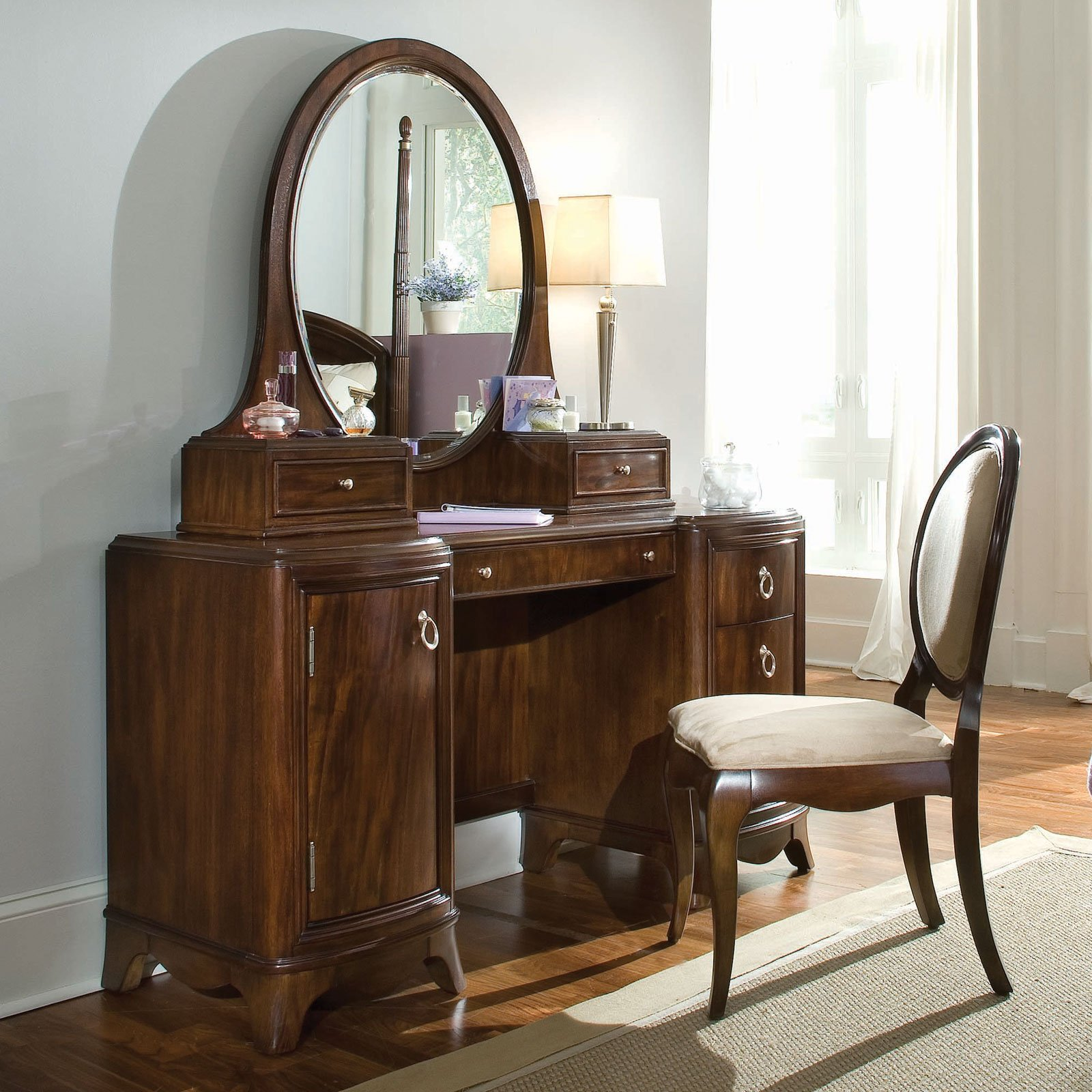 Small Bathroom Ideas: Bedroom Vanities With Lights