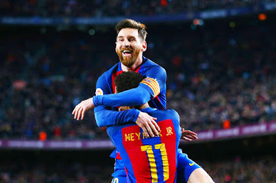 Lionel Messi Signs a New Deal With Barcelona until 2021