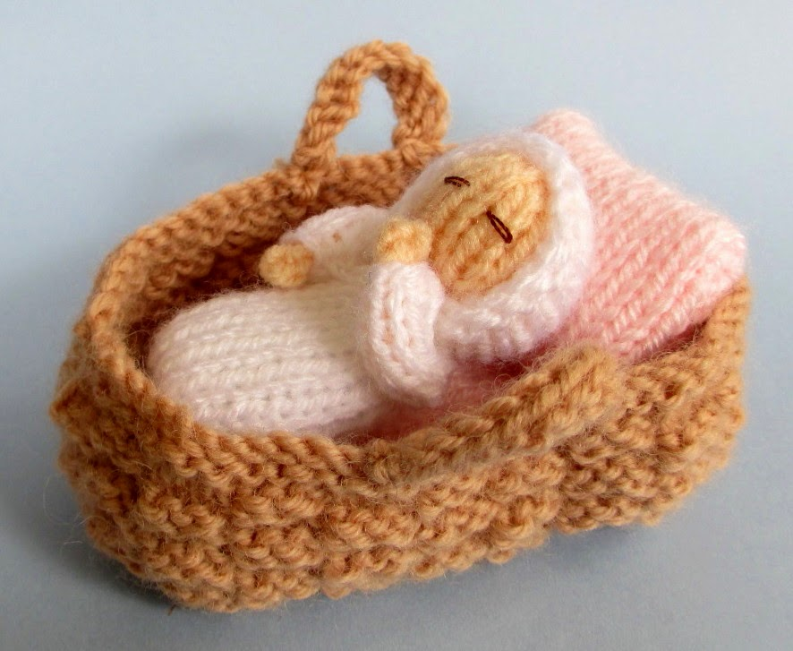 70acfbbb228e Flutterby Patch  FREE PATTERN - Baby in a basket crib
