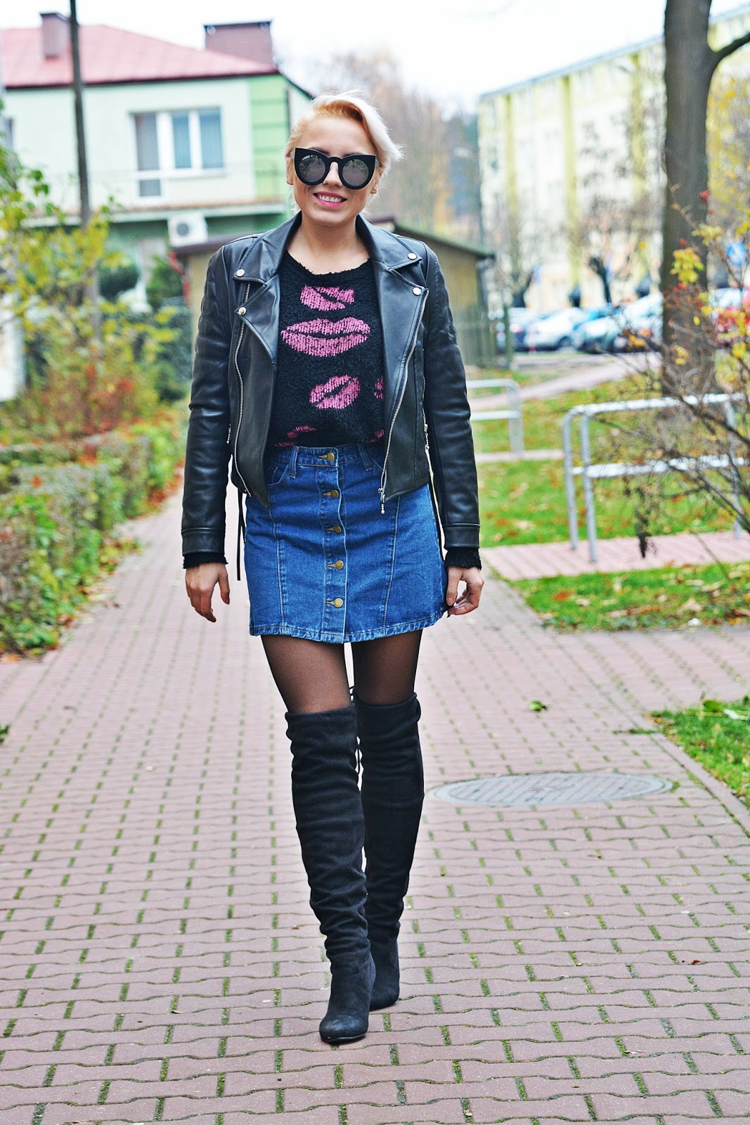 jeansowa_spodnica_skorzana_ramoneska_buty_za_kolano_karyn6
