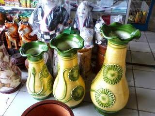 Kerajinan Keramik Kecamatan Mayong, Jepara, Jawa Tengah sebagai contoh dari KERAJINAN KERAMIK NUSANTARA (10 CONTOH DAN KETERANGANNYA)