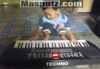 Memperbaiki Tuts Keyboard Piano Elektrik Rusak
