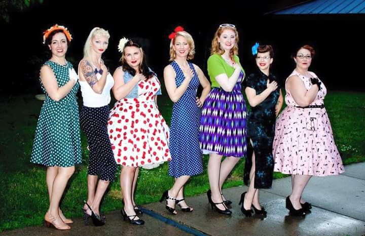 fceb8a9ca9a Photo  Dennis Buttermore of Vintage Glamor. From Left  Lily Tigress