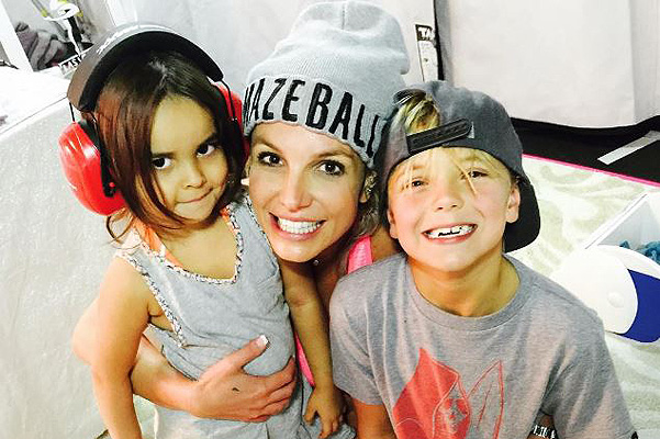 Britney Spears showed new pictures and videos with his son