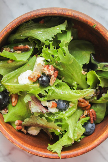 Blueberry & Toasted Pecan Mixed Greens Salad with Orange Vinaigrette | The Chef Next Door