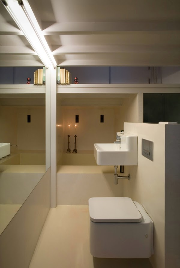 04-Bathroom-MYCC-Architects-Micro-Spanish-Vertical-Flat-20m²-www-designstack-co
