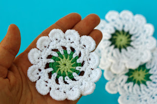 Hand crocheted dandelion flower applique by TomToy