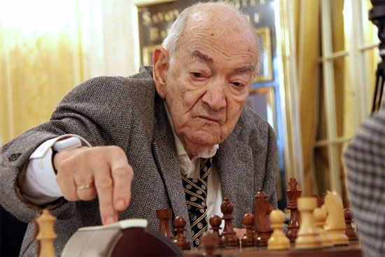Viktor Korchnoi, grand-maître international d'échecs en 2015 - Photo © Chessbase
