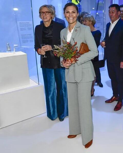 Crown Princess Victoria wore Rodebjer Anitalia blazer and trousers. Crown Princess wore diamond earrings and Gianvito Rossi pumps