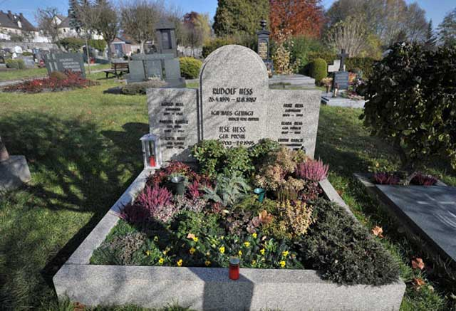 Rudolf Hess gravesite, Third Reich graves worldwartwo.filminspector.com