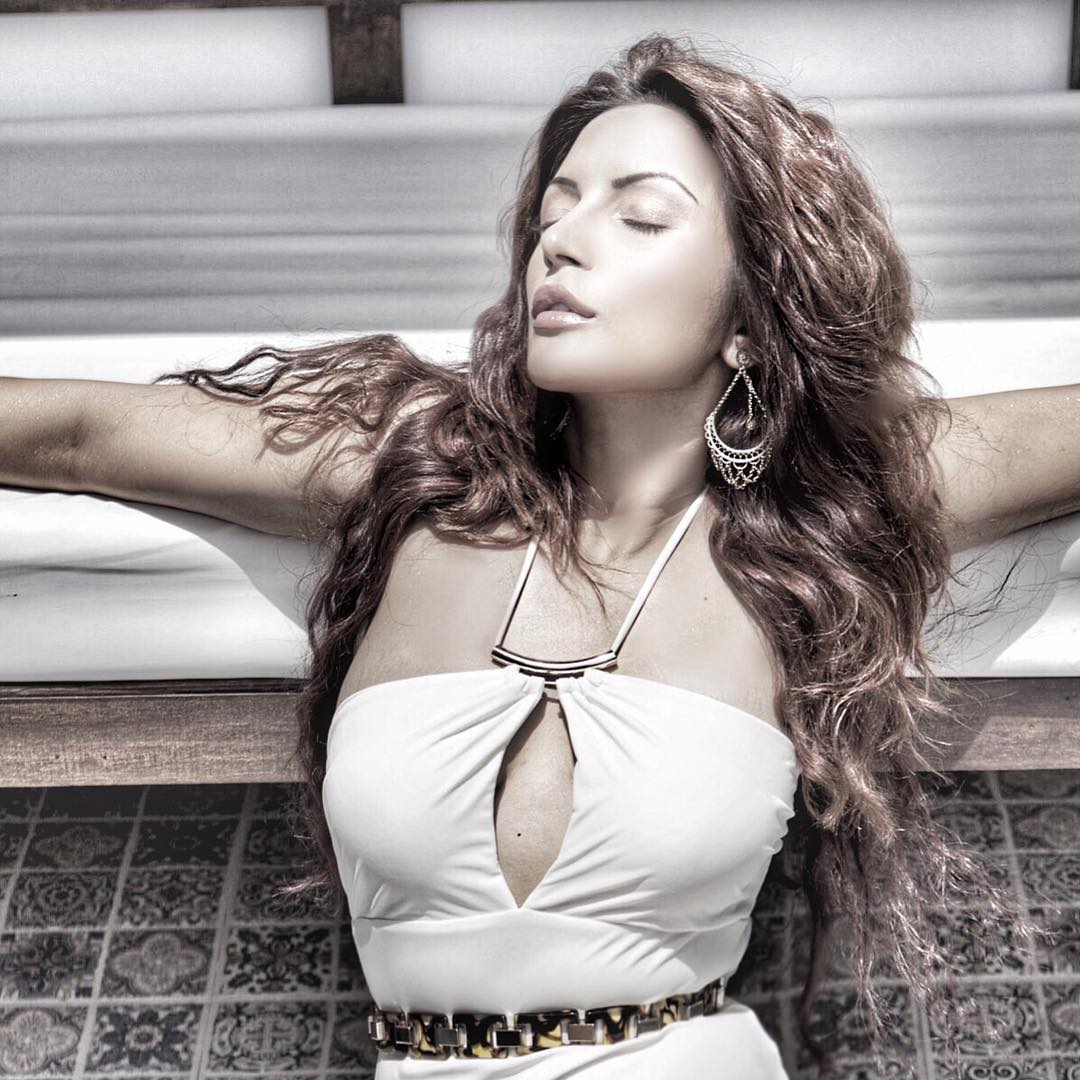 Shama Sikander sexy photoshoot, Shama Sikander photos to download