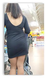 promotora sexys piernas