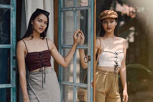 5 Inspirasi Gaya Foto Asik dan Kompak ala Model Cantik Valerie dan Veronika