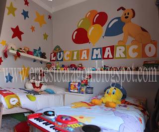 Mural infantil con globos y estrellas
