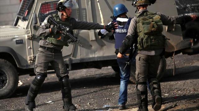 Fuerzas israelíes hieren a 13 reporteros palestinos en Al-Quds