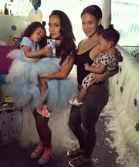 Chris Brown's Babymama, Nia Guzman throws a Frozen-themed ...
