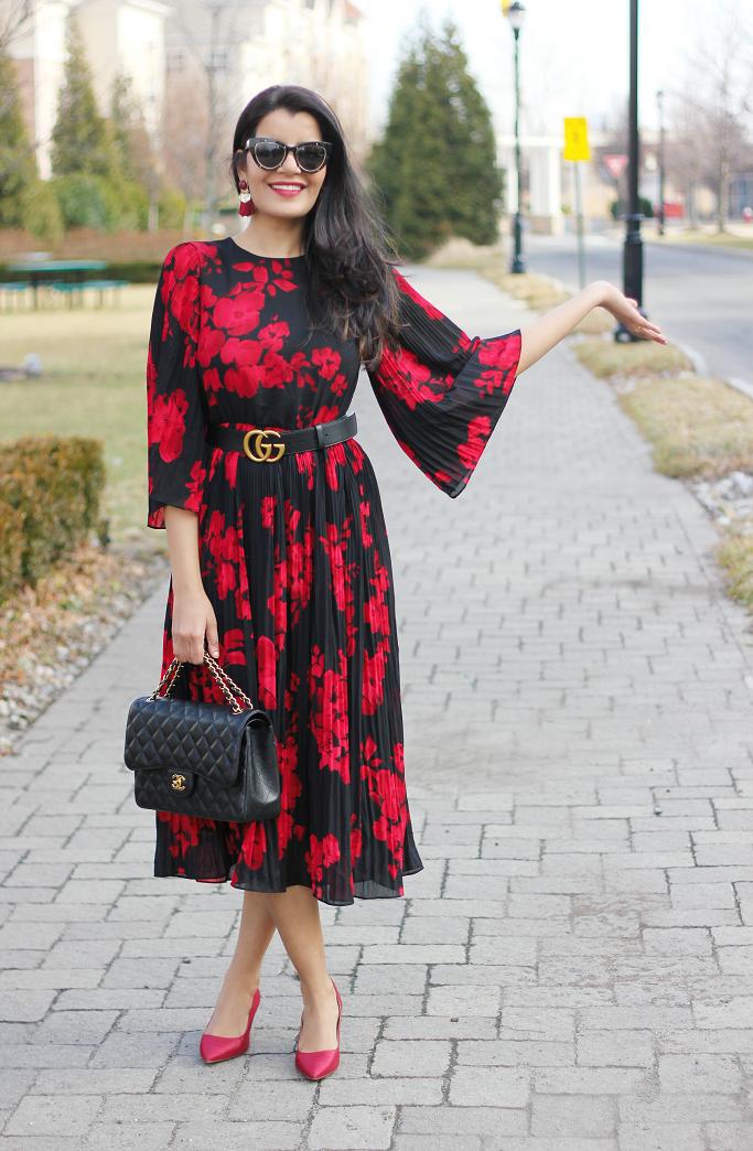 H&M Calf length dress, H&M Pleated dress, H&M red floral midi dress, Spring Dresses 2018, Gucci Belt over midi dress, Gucci belt style ideas, Gucci Belt with dress, H&M tassel earrings