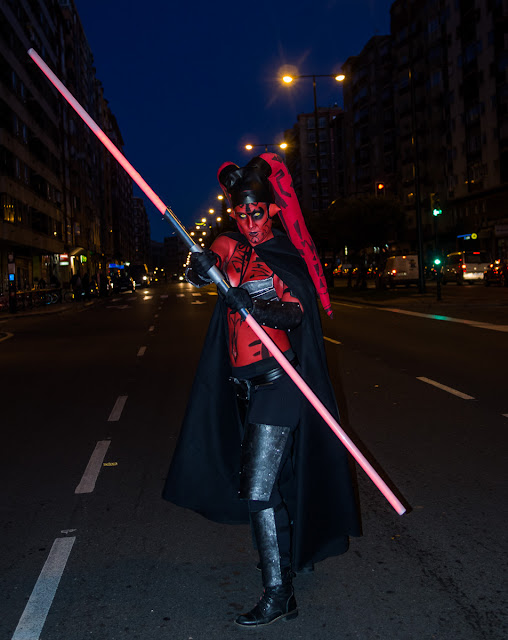 Primera Pantalla Street Performance Darth Talon