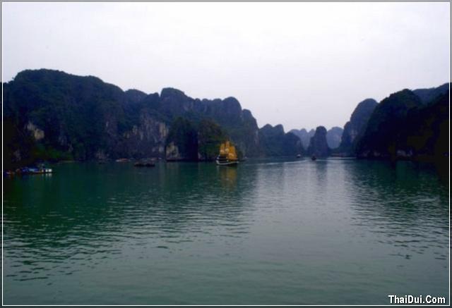 phong cảnh Hạ Long chụp bằng điện thoại
