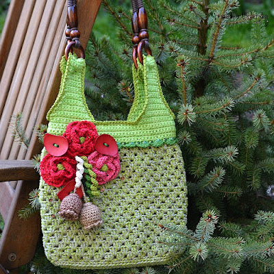 Crochet poppy bag by Vendulka Maderska