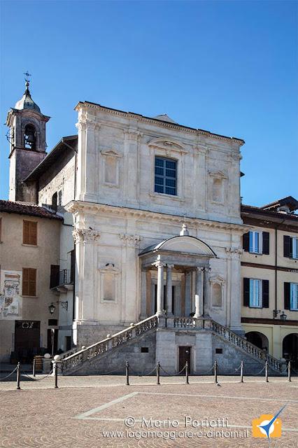 Chiesa di santa Marta in piazza del Popolo