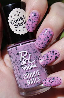 http://lacquediction.blogspot.de/2016/05/rdel-young-cookie-nails-01-crazy-cookie.html