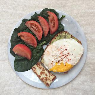 avokado yumurta