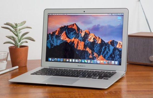13-inc Apple MacBook
