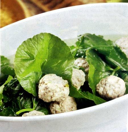 Canh rau má nấu thịt bò viên